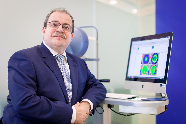 doctor-carlos-laria-oftalmologo-001